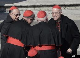 Tarcisio Bertone e altri cardinali
