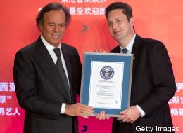 Julio Iglesias recibe récord Guinness