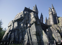 Fans of Harry Potter and magic, rejoice: Universal Orlando is expanding its Wizarding World of Harry Potter with a new area based on the books' fictional scenes in Diagon Alley and London.