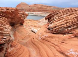 Creamy rocks at Lake Powell, Page, Arizona