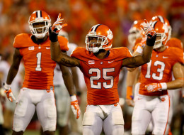 Roderick McDowell #25 of the Clemson Tigers celebrates after defeating the Georgia Bulldogs 38-35 on August 31, 2013.