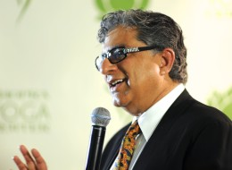Deepak Chopra speaks to an audience in Toronto on Aug. 29, 2013. (Photo: House of Bonas)