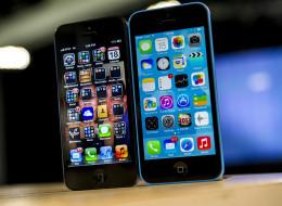 iOS 6 (left) vs iOS 7 (right)