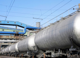 CN Rail is looking at transporting oil by railway to Prince Rupert in quantities matching the Northern Gateway pipeline, documents say. | Shutterstock