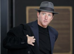 Kevin Trudeau walks through the Dirksen U.S. Courthouse in Chicago, February 11, 2010. In the decade since regulators first accused him of conning consumers into buying his weight-loss books, TV pitchman Trudeau has been ordered off the air, fined nearly $38 million and threatened several times with jail for contempt of court. (Jose M. Osorio/Chicago Tribune/MCT via Getty Images)