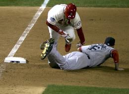 Allen Craig y Will Middlesbrooks protagonizaron en la tercera base al polémica jugada
