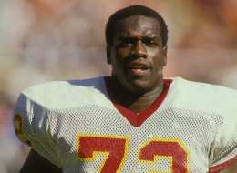 Dexter Manley #72 of the Washington Redskins during a NFL football game against the Philadelphia Eagles on Septmeber 13, 1987 at RFK Stadium in Washington D.C.  (Photo by Mitchell Layton/Getty Images)