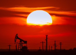 "A strategic analysis carried out in 2010 for the oil sands identifies a ""worst-case scenario"" for the industry that appears to have come to pass. (Shutterstock)"