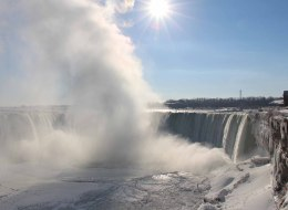 A view of the Niagara Falls frozen over due to the extreme cold weather, Ontario, Canada, January 9, 2014. The Polar Vortex brought record cold temperatures to United States and Canada. (Photo by Seyit Aydogan/Anadolu Agency/Getty Images)