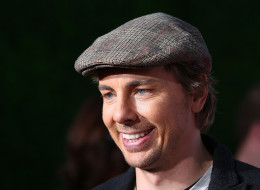 Dax Shepard offered to donate sperm when Tom Arnold and his wife struggled to conceive.