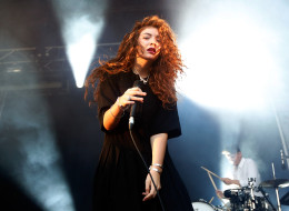 SYDNEY, AUSTRALIA - FEBRUARY 02:  Lorde performs live on stage during the Laneway Festival on February 2, 2014 in Sydney, Australia.  (Photo by Zak Kaczmarek/Getty Images)