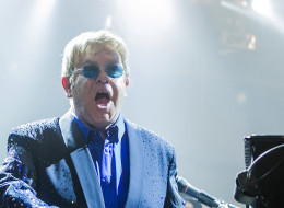 YOUNGSTOWN, OH - FEBRUARY 01:  Elton John performs in concert at the Covelli Centre on February 1, 2014 in Youngstown, Ohio.  (Photo by Patrick R. Murphy/Getty Images)