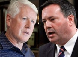 Employment Minister Jason Kenney blasted former interim Liberal leader Bob Rae with 18 tweets Wednesday morning. (CP)