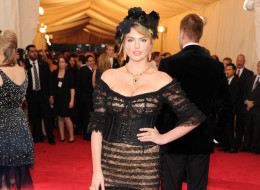 Kate Upton attends the 'Charles James: Beyond Fashion' Costume Institute Gala at the Metropolitan Museum of Art on May 5, 2014 in New York City.  (Photo by Kevin Mazur/WireImage)