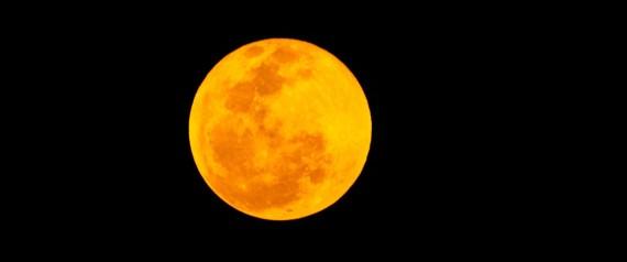 """""""Luna de fresa"""" en viernes 13 N-LUNA-LLENA-VIERNES-13-large570"""
