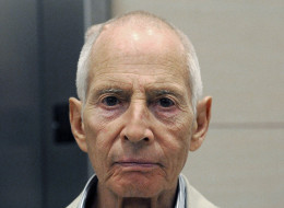 New York City real estate heir Robert Durst leaves a Houston courtroom Tuesday, Sept. 16, 2014. Durst is charged with criminal mischief for urinating on a counter at a Houston drug store, his hearing has been reset for next month. (AP Photo/Pat Sullivan)