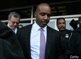SAN FRANCISCO, CA - APRIL 13: Former Major League Baseball player Barry Bonds leaves federal court on April 13, 2011 in San Francisco, California. After three and a half days of deliberation, a jury found Barry Bonds guilty on one count of obstruction of justice and was a hung jury on three counts of perjury for lying to a grand jury about his use of performance enhancing drugs. (Photo by Justin Sullivan/Getty Images)