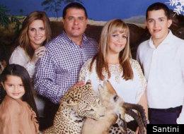 Mayor Of San Juan Baffles Public With Astoundingly Strange Christmas Photo