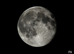 Scientists want online enthusiasts to help them identify alien traces on the moon