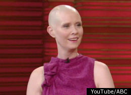 Cynthia Nixon debuts her shaved head on an American chat show