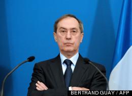 Claude Guéant à Paris le 02 décembre 2011