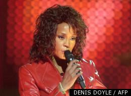 Whitney Houston le 14 novembre 2002 lors d'un concert à Barcelone