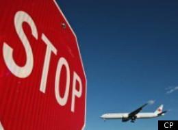 Le ministère fédéral de la Justice conseille à Ottawa de ne pas présenter de requête contre Air Canada devant les tribunaux.