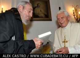 Le pape Benoît XVI rencontre Fidel Catsro le leader cubain, le 28 mars 2012