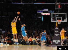 Kobe's late 3-pointer lifted the Lakers past the Hornets.
