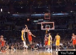 Josh McRoberts hits a buzzer beater for the Lakers at the end of the first quarter.