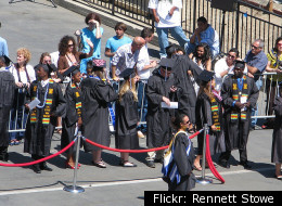 Graduates at the 2008 Cal State San Marcos commencement ceremony (Flickr: Rennett Stowe)
