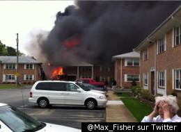 L'incendie à Virginia Beach après le crash d'un F-18, le 06 avril 2012