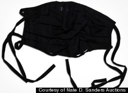 A black surgical mask that Michael Jackson allegedly wore the night before he died in 2009 has hit the auction block -- and the bids have already surpassed $20,000.