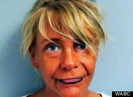 Patricia Krentcil allegedly brought her daughter in an artificial tanning booth, allowing the girl to get burned.