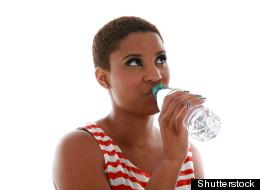 Huit trucs pour boire plus d'eau.