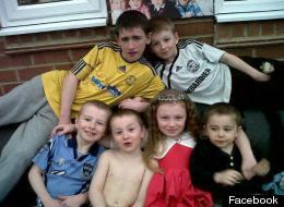 Duwayne Philpott, back left, with his siblings