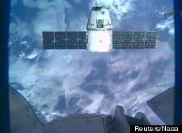 La capsule Dragon de SpaceX vue de l'ISS