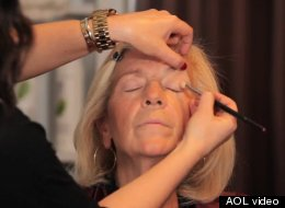 52-year-old cancer patient Leesa Hagen gets a a day of beauty.