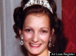 In 2006, Glasgow Airport sold off the Duchess of Argyll's precious lost jewels.