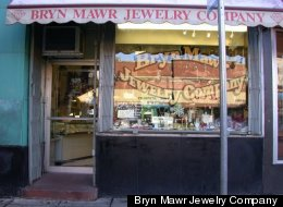 The Bryn Mawr Jewelry Company in Chicago's Edgewater neighborhood was robbed Monday.