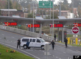The Peace Arch border crossing was closed Tuesday after a guard was shot. (CP)