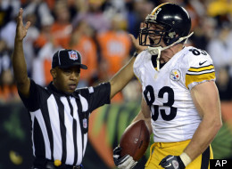 Pittsburgh Steelers tight end Heath Miller (83) celebrates after scoring on a nine-yard touchdown reception during the first half of an NFL football game against the Cincinnati Bengals, Sunday, Oct. 21, 2012, in Cincinnati.