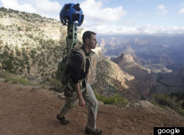 Para la recopilación de imágenes, Google utiliza sus Trekkers, mochilas diseñadas especialmente con una cámara montada.