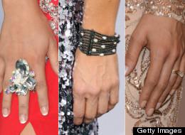 Los accesorios en la alfombra verde de Latin Grammy 2012 desde Las Vegas, Nevada.