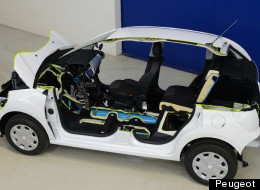 Promising to drastically reduce CO2 emissions and money spent on gas, Peugeot unveiled its Hybrid Air. The company said it should hit the market in 2016.